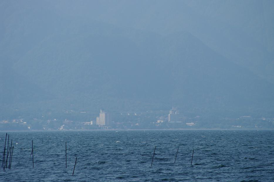 琵琶湖畔で..._f0152550_21254445.jpg