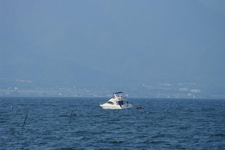 琵琶湖畔で..._f0152550_21263873.jpg