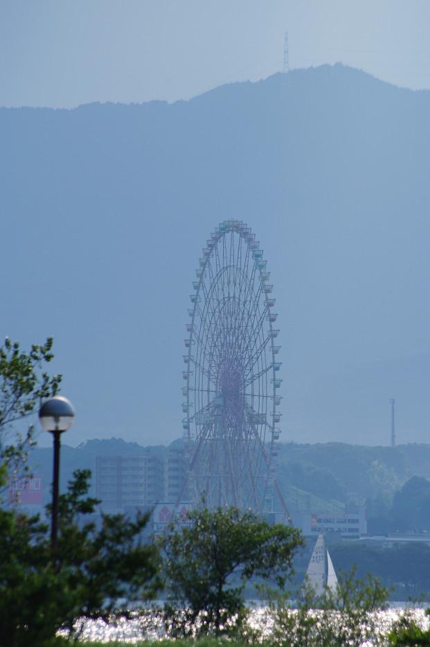 琵琶湖畔で..._f0152550_2126434.jpg