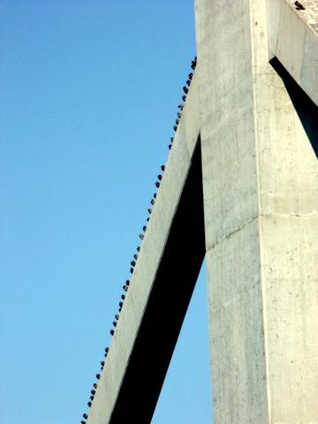 雲ジイじゃ、あの鉄橋のつぶつぶは何じゃ?_b0165760_21412964.jpg