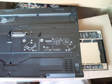 ThinkPad SATA ハードディスクドライブ・ベイアダプター3 を購入した [写真]_b0003577_1556522.jpg