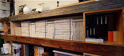 廃材を使った本棚。制作費400円×4=1600円。_f0165030_10484595.jpg