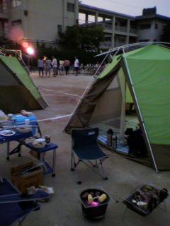 校庭キャンプ_d0004447_2275656.jpg