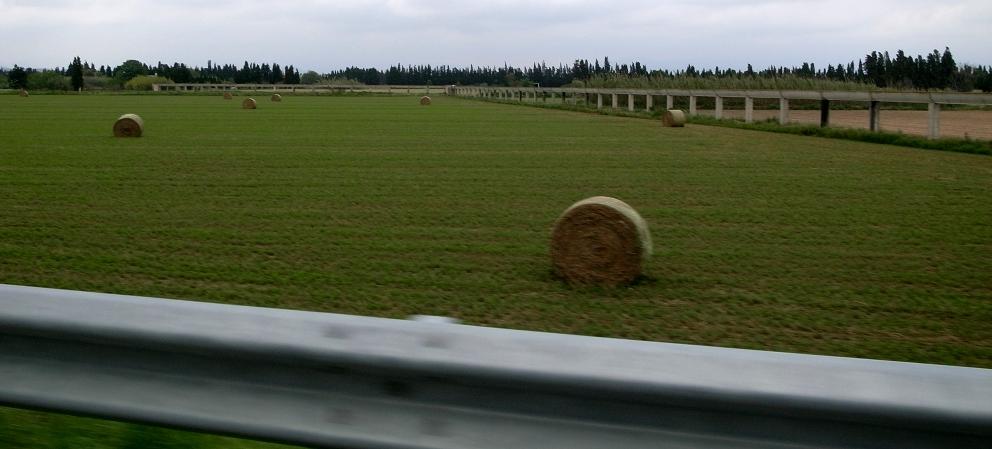 南仏の車窓から_b0108109_18302288.jpg