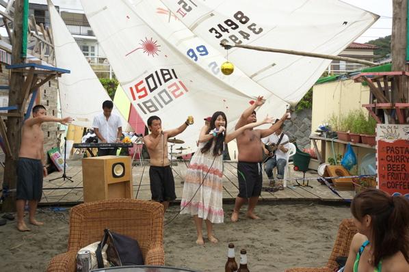 チョコビーチ2010 写真 by 鈴木氏 ーラブマライブとfeat.インサイドランナーズー_a0083921_19274352.jpg