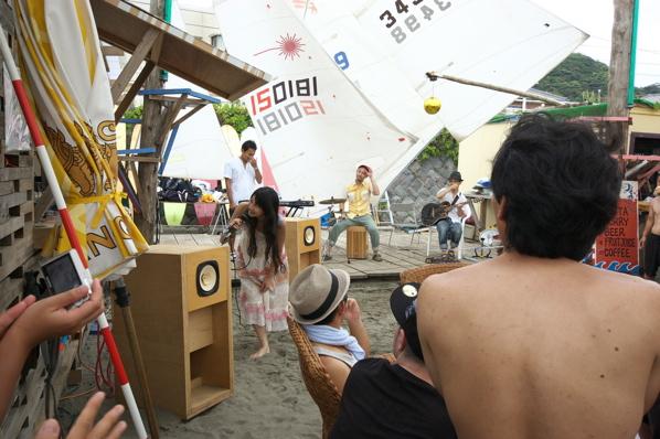 チョコビーチ2010 写真 by 鈴木氏 ーラブマライブとfeat.インサイドランナーズー_a0083921_19295681.jpg