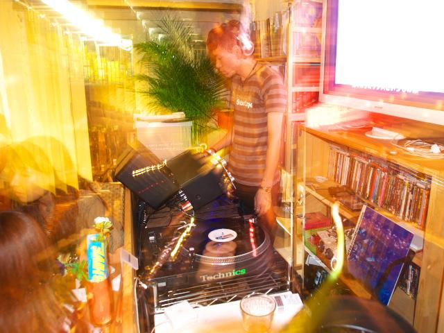 DJ Night at Madosh Cafe_f0024992_121277.jpg