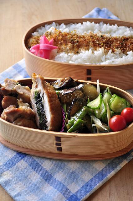 鶏のジューシーサンド焼きと夏野菜の副菜弁当_b0171098_9101724.jpg