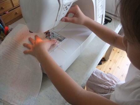 娘が初めて作った本格的トートバッグ♪_f0023333_7472141.jpg