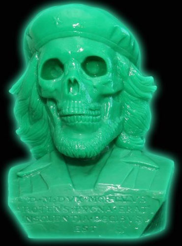 緊急予約受付、暗闇で緑に光るデッド・チェ。_a0077842_16243110.jpg