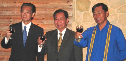 カルロス寺岡 日本国バギオ名誉総領事の退任式_a0109542_18405781.jpg