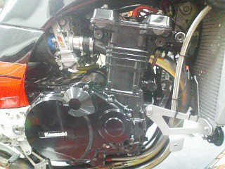 GPZ900R 洗車&ワックス!_a0163159_2352925.jpg