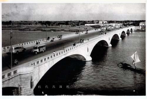 萬代橋誕生祭、こんな万代橋はいやだ!_d0178448_21332987.jpg