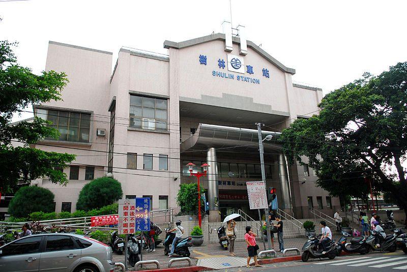 ■台湾の駅1(台北から高雄まで)_e0094583_15504089.jpg