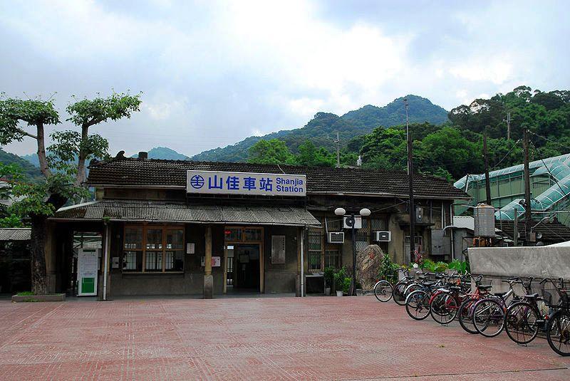 ■台湾の駅1(台北から高雄まで)_e0094583_15525190.jpg