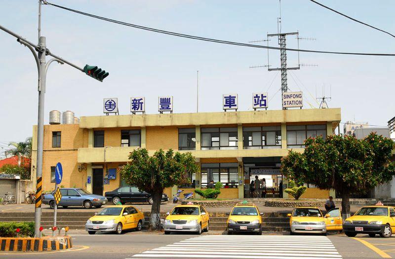 ■台湾の駅1(台北から高雄まで)_e0094583_15554222.jpg