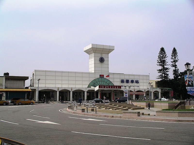 ■台湾の駅1(台北から高雄まで)_e0094583_15571459.jpg