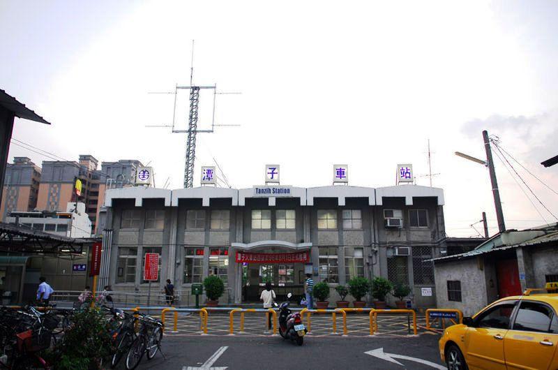 ■台湾の駅1(台北から高雄まで)_e0094583_1559090.jpg