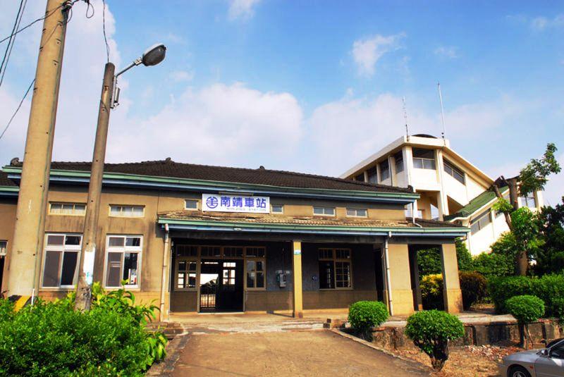 ■台湾の駅1(台北から高雄まで)_e0094583_16111528.jpg
