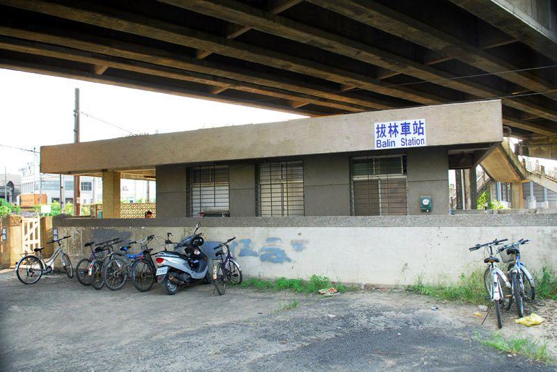 ■台湾の駅1(台北から高雄まで)_e0094583_16235166.jpg