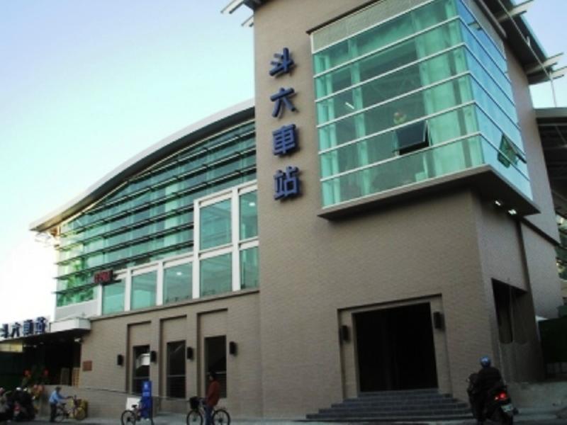 ■台湾の駅1(台北から高雄まで)_e0094583_16385348.jpg
