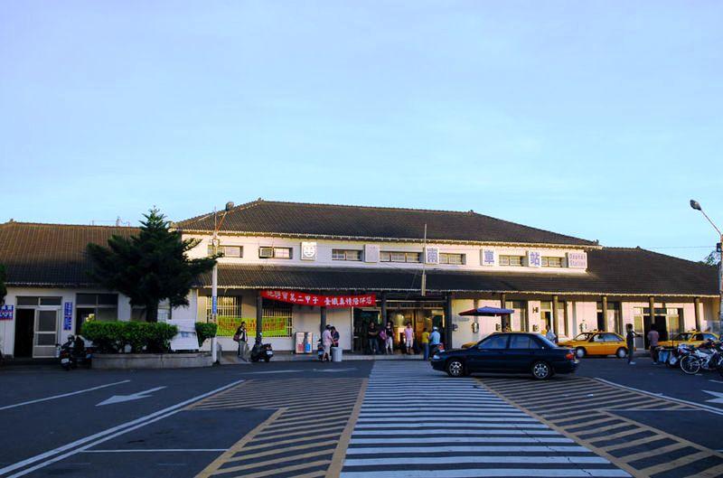 ■台湾の駅1(台北から高雄まで)_e0094583_1694237.jpg