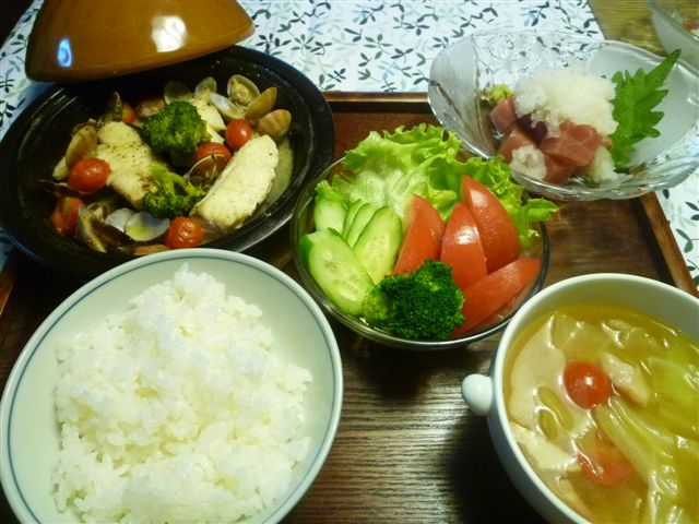 白身魚料理の定番になりつつあるアクアパッツア_b0175688_20435023.jpg