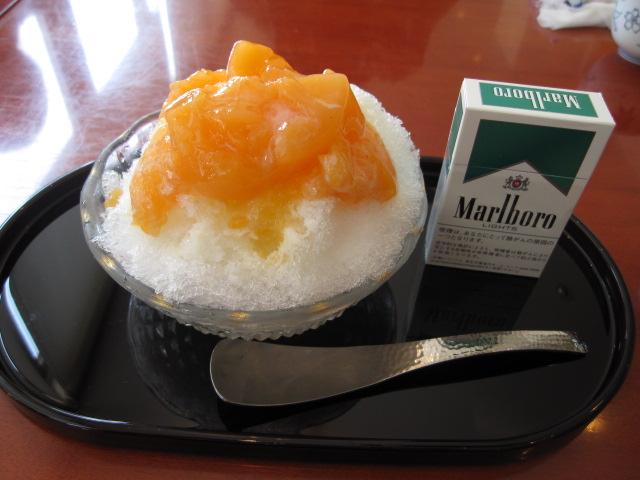 麻布茶房の「夕張メロンミルクかき氷」¥650@平塚市_b0042308_2343523.jpg