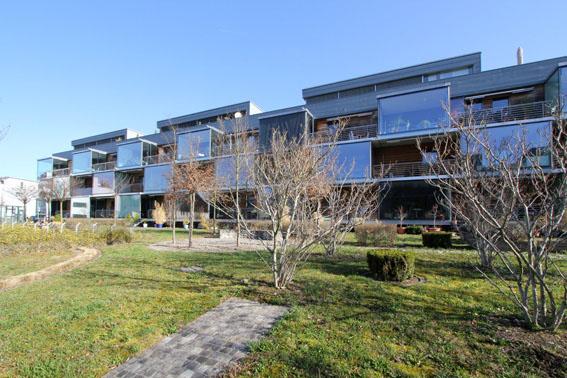 ミネルギーハウスP:チューリッヒ郊外木造4階建て集合住宅 1_e0054299_1616411.jpg