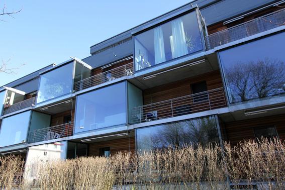 ミネルギーハウスP:チューリッヒ郊外木造4階建て集合住宅 1_e0054299_1619557.jpg