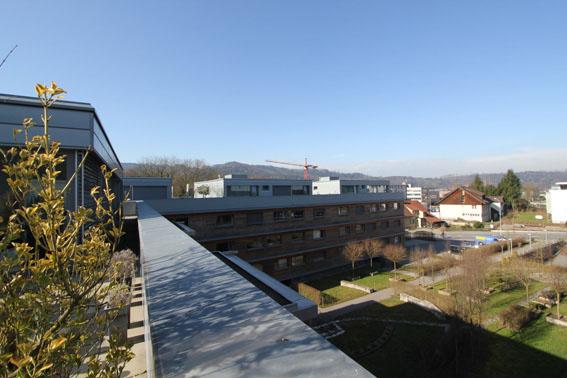 ミネルギーハウスP:チューリッヒ郊外木造4階建て集合住宅 1_e0054299_1620985.jpg