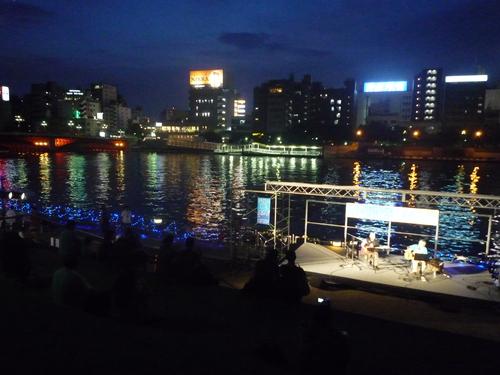 隅田川カフェ_d0029066_7533058.jpg