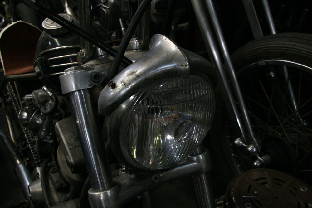 AUTHENTIC MOTOR SERVICE_f0184668_0585414.jpg