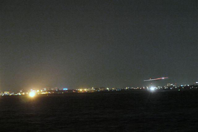 東京湾納涼船で夜の東京湾へいざ出航_b0175688_1210360.jpg