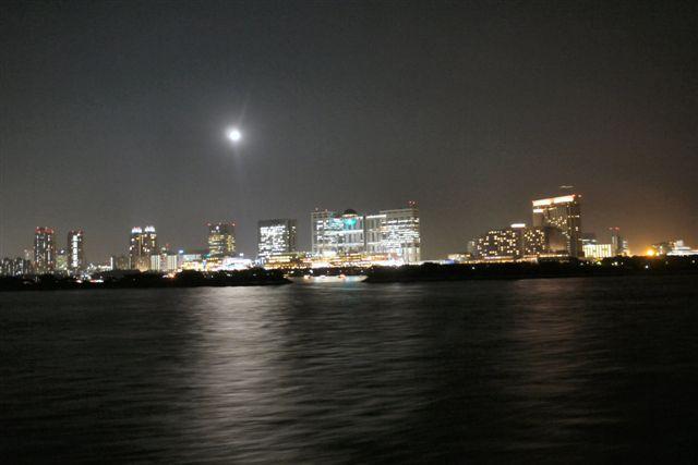 東京湾納涼船で夜の東京湾へいざ出航_b0175688_1292748.jpg
