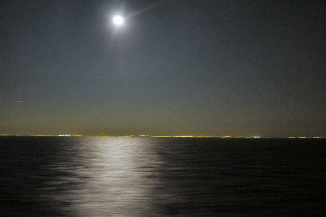 東京湾納涼船で夜の東京湾へいざ出航_b0175688_1295646.jpg