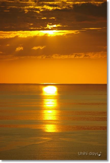 知床ウトロの黄金の夕陽 と 羅臼岳登山_f0179404_21294590.jpg