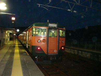 安浦を走る電車の色,やがては…_e0175370_13105340.jpg