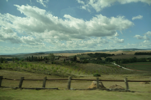 ワインの村モンタルチーノヘ~フィレンツェから日帰り遠足♪_f0106597_25325.jpg