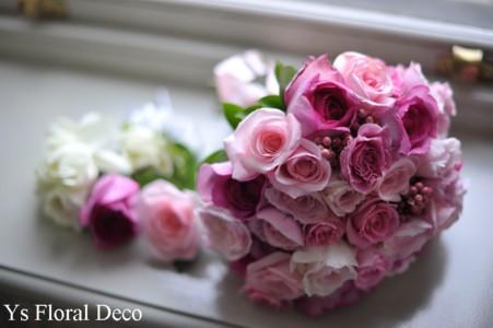 ピンク色のクラッチブーケ_b0113510_0442468.jpg
