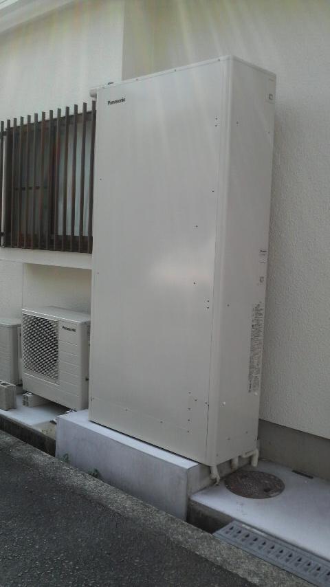 ご近所の皆様 私給湯器です_c0185356_8513370.jpg