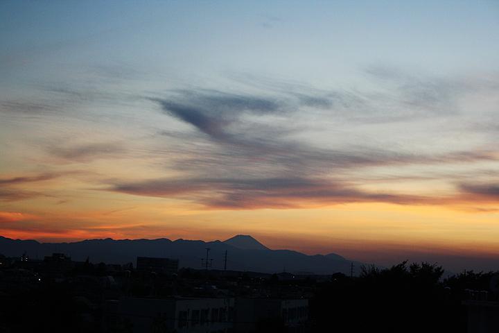 夕陽と富士山_f0170519_2095233.jpg