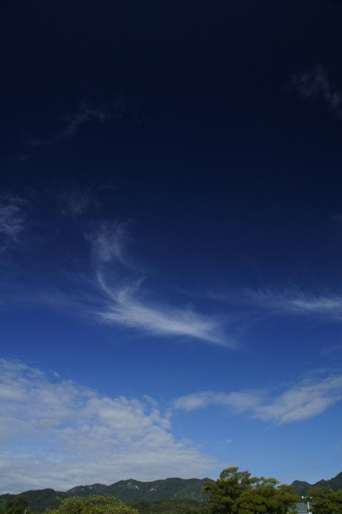 秋空プール。_f0189086_20255988.jpg