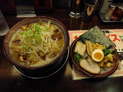 光麺@新宿の骨太光麺菊次郎[全部のせ]_d0044093_22383938.jpg