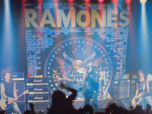 Loco Live / The Ramones_c0104445_2231822.jpg