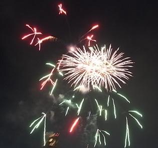 さよなら夏花火「THE LAST」空から花火が降ってくる_b0051666_12541444.jpg