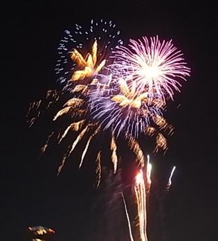 さよなら夏花火「THE LAST」空から花火が降ってくる_b0051666_12545113.jpg