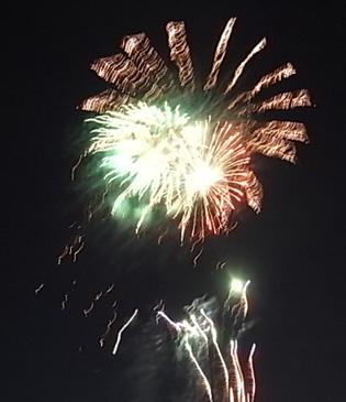 さよなら夏花火「THE LAST」空から花火が降ってくる_b0051666_12551813.jpg