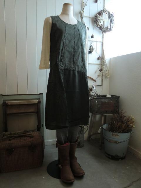 服と看板と。_a0164280_7121669.jpg