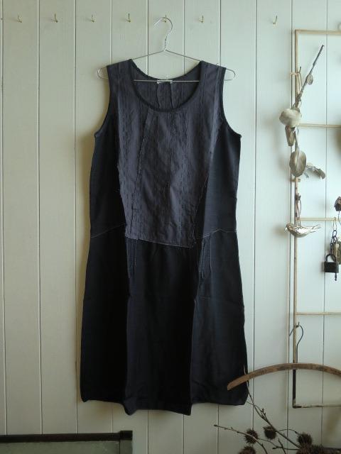 服と看板と。_a0164280_7122162.jpg